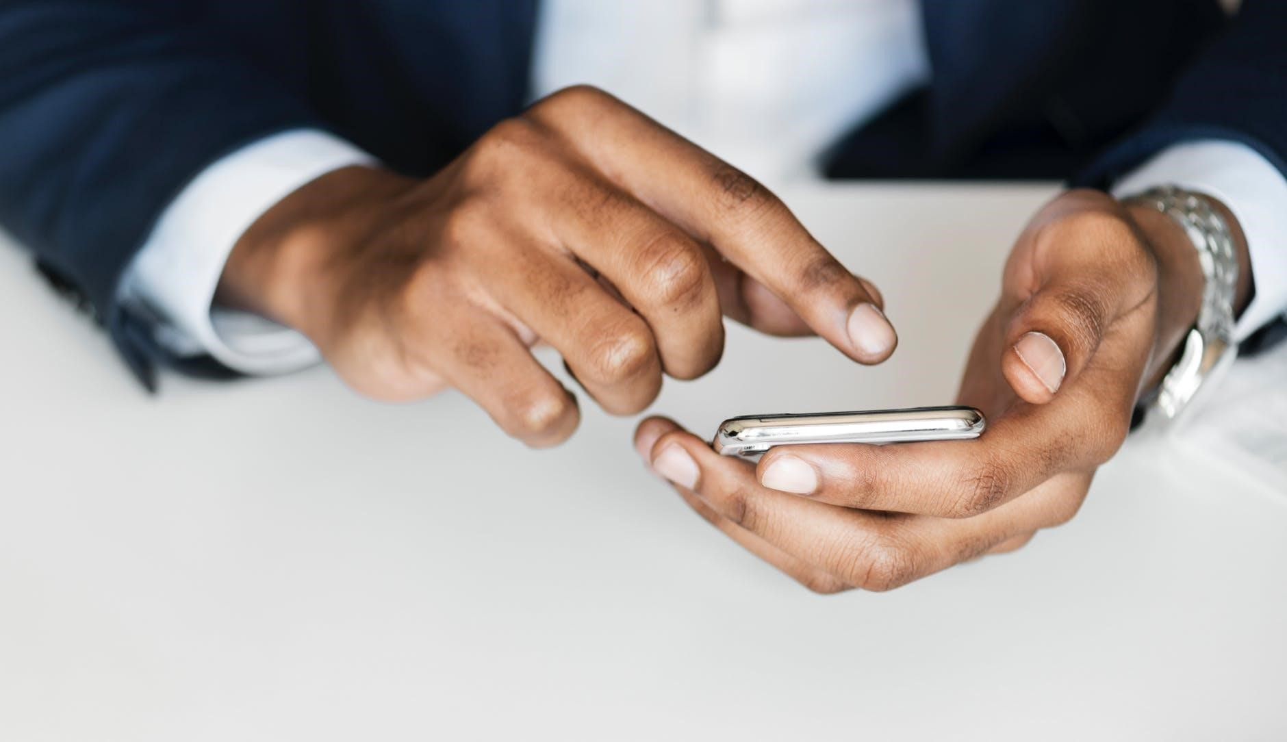 How To Keep Your Smartphone and Data Safe from Breaches in 2019 - appPicker