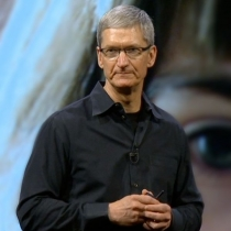 Tim Cook's coffee date gets $560,000 bid