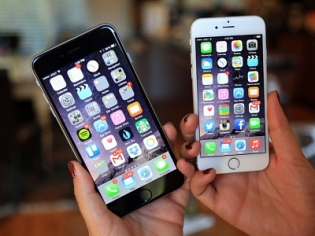 Apple working on software update to fix iPhone bug